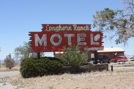 Current Longhorn Motel of exit 203.